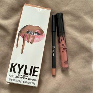 Kylie Cosmetics Velvet Lip Kit in Charm